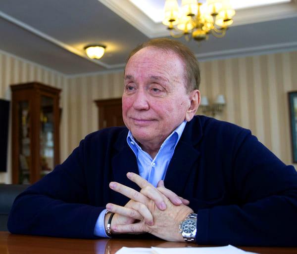 Александр Масляков и его дом