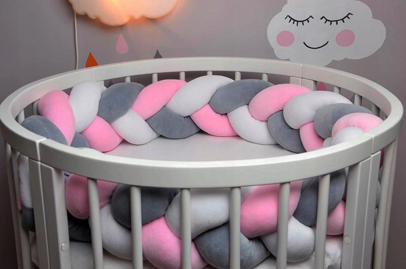 Для круглой кроватки идеальный вариант – косичка