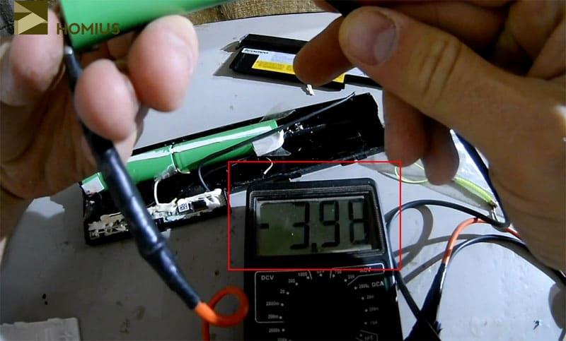 Проверка элемента показала, что он выдаёт стабильные 4 В