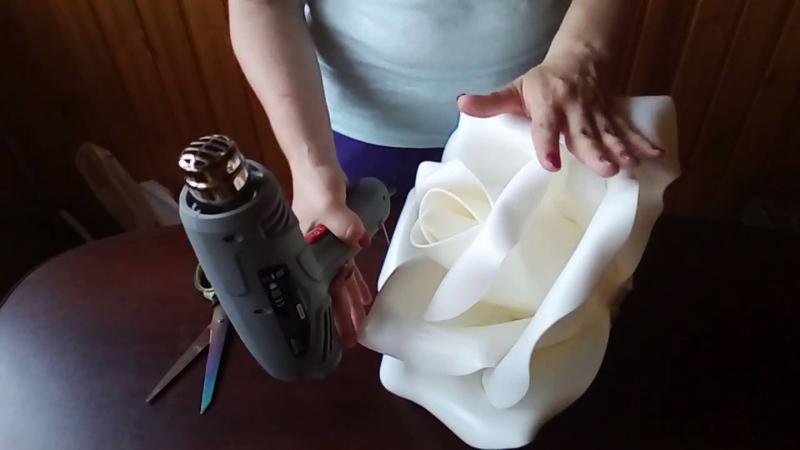 С помощью фена можно придать заготовкам любую форму