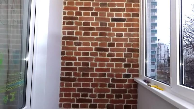 Стена готова, осталось покрыть её лаком