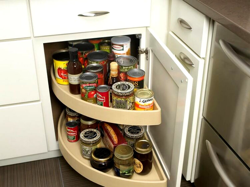 Зоны для хранения, спрятанные в кухонном гарнитуре