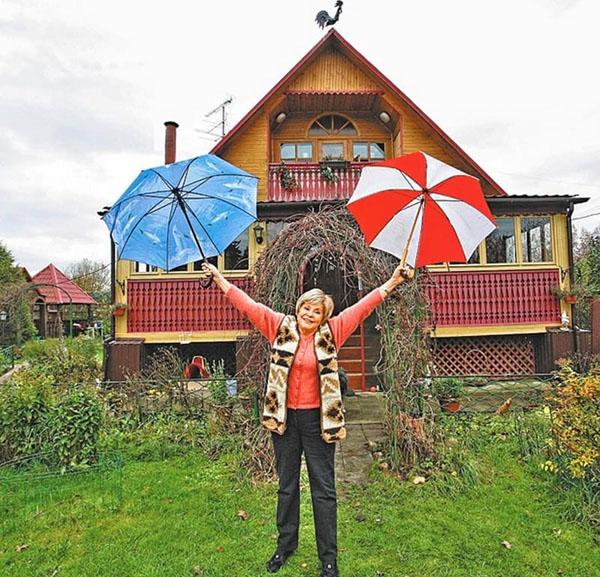 Деревянный дом-дача Ангелины Вовк