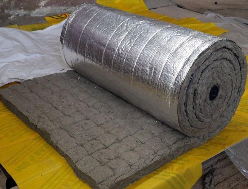 Фольгированная минеральная вата востребована при утеплении бани