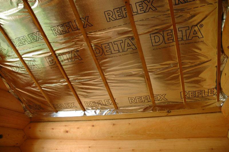 Фольгу крепят только к потолку