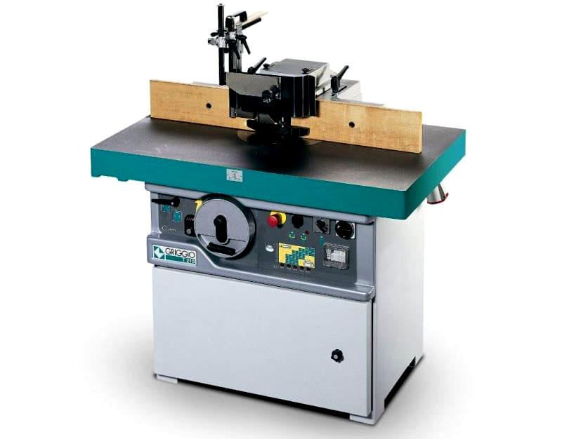 Механизм управления часто оснащается антиаварийной защитой, его можно регулировать при помощи трансформатора и дополнительного выключателя