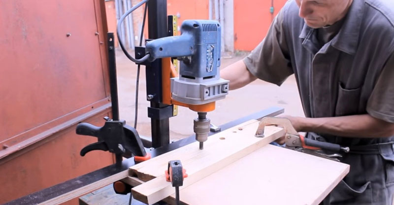 Фрезер с дрелью решает различные задачи, в то же время, устройство можно разобрать
