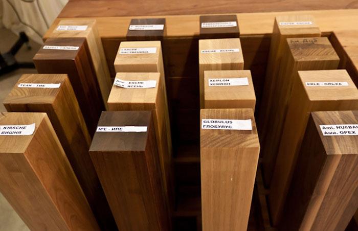 Столешница, линейки и прочие части делаются из качественных сортов дерева, фанеры