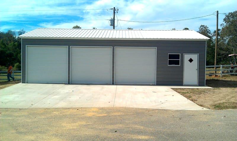 Такой гараж ради одной машины явно сооружать не стоит