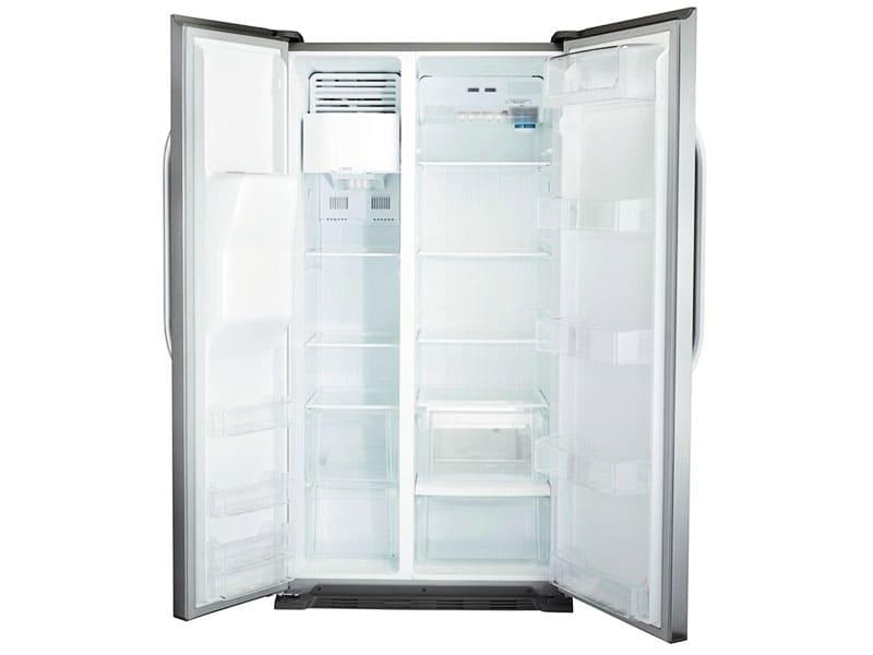 Большой объём и холодильной, и морозильной камеры оправдан, если у вас большая семья