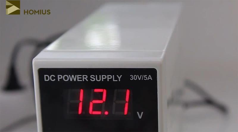 Напряжение 12 В выставлено, однако сила тока при включении оказалась недостаточной