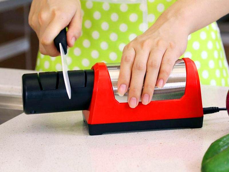 Электроточилка наточит нож, выведет лезвие под требования владельца, отполирует его