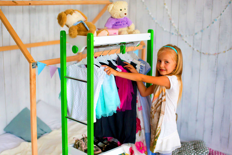 Другой важный нюанс – стойка должна быть прочной, но лёгкой. Рекомендуется ставить такие модели в комнаты для детей от 4-5 лет