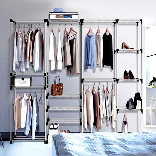 Она очень вместительная и состоит из перекладин, на которых можно уместить огромное количество одежды