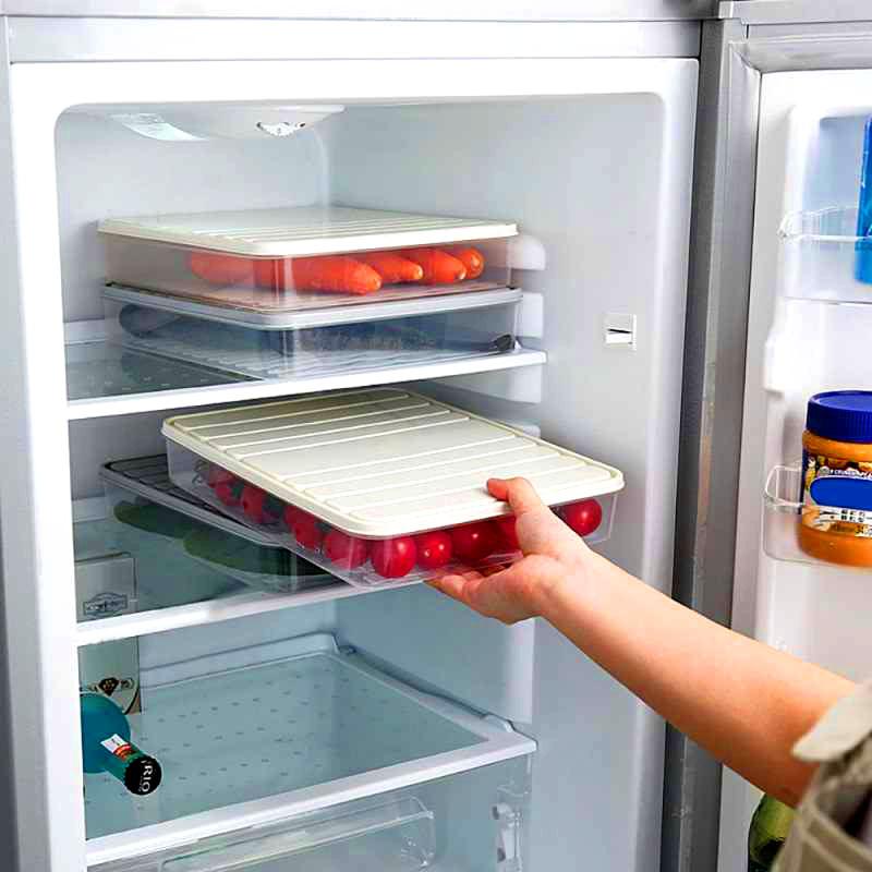 Такие контейнеры легко разместятся даже в самом скромном по размеру холодильнике