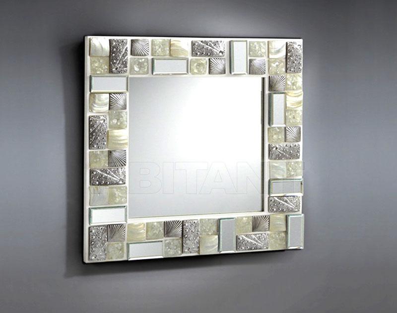 Зеркало в зеркальной раме