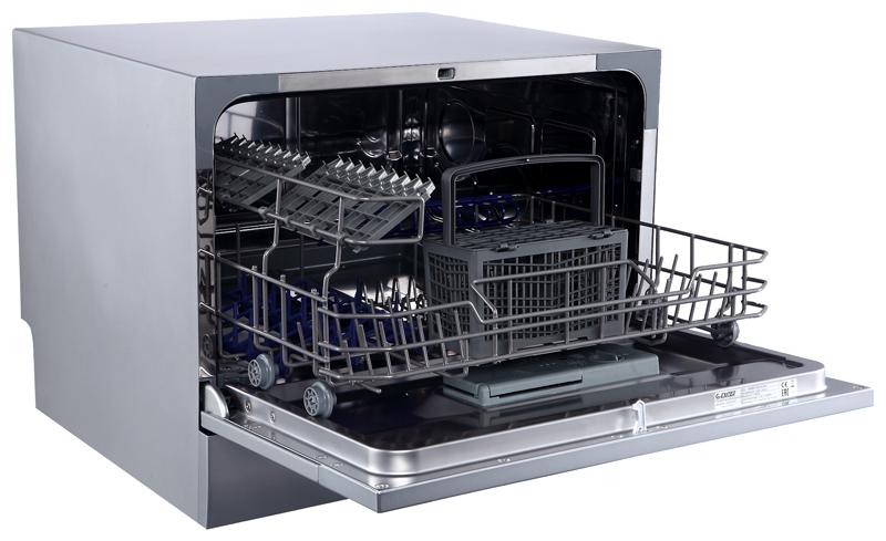Обычно компактные модели вмещают в себя около 6 комплектов посуды