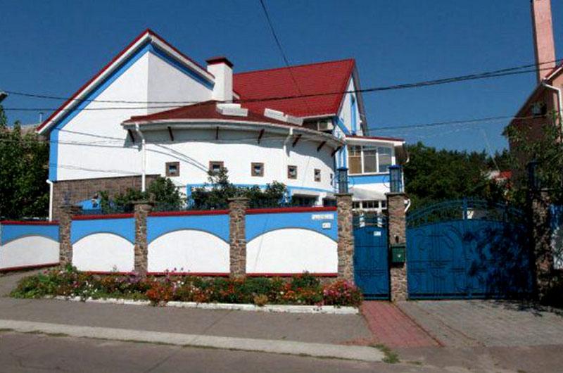 Белоснежный особняк певицы под Киевом