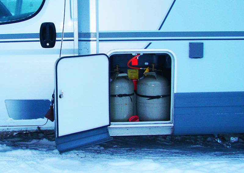 Если аккумулятор слабый, рекомендуется дополнительно установить газовый баллон