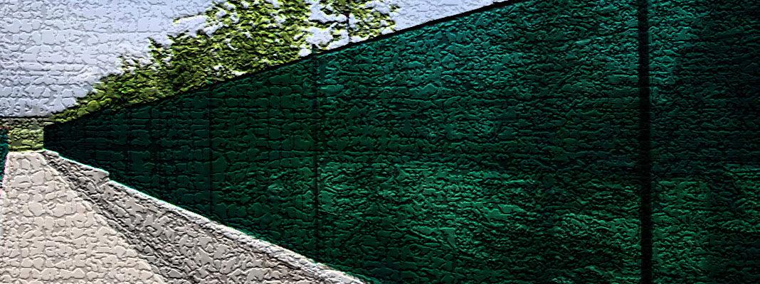 Фасадная сетка для забора на даче