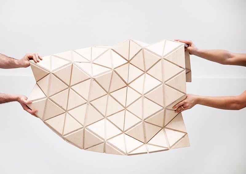 Гибкое дерево WoodSkin можно сгибать в разные стороны, придавая материалу сложные причудливые формы
