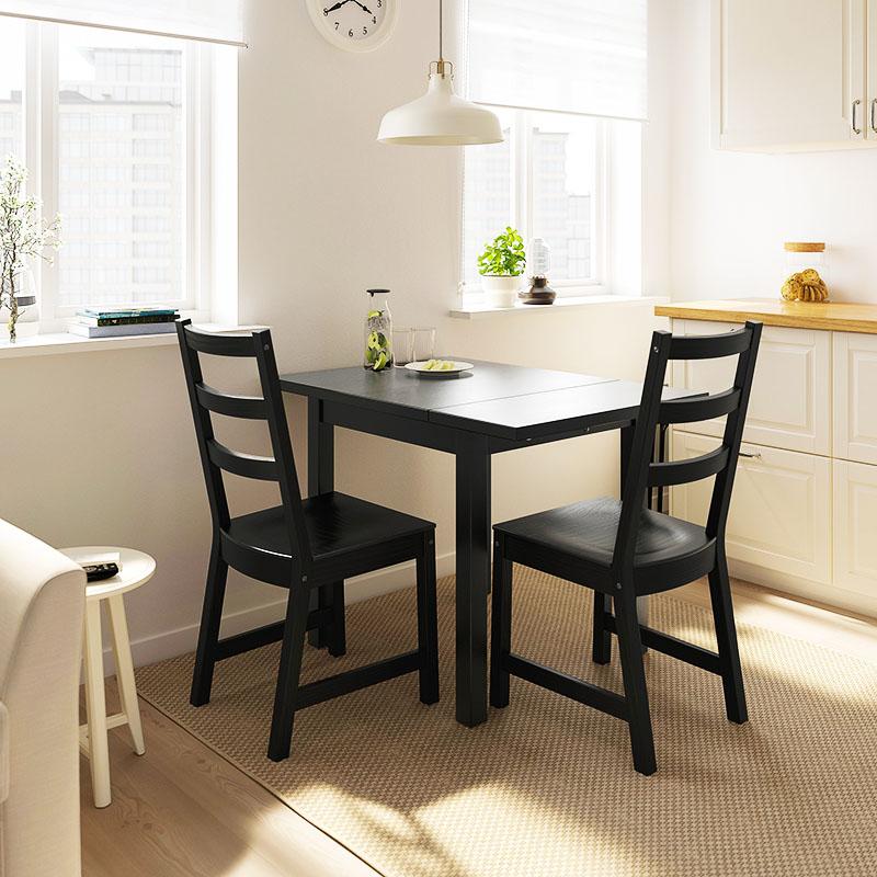 Такой стол станет прекрасным украшением как малогабаритной, так и просторной кухни