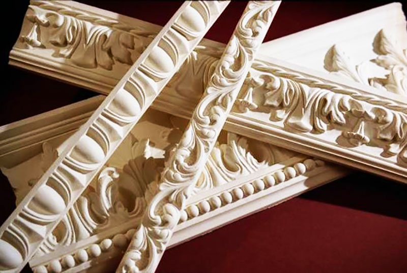 Орнамент на плинтусах дополнит классический интерьер