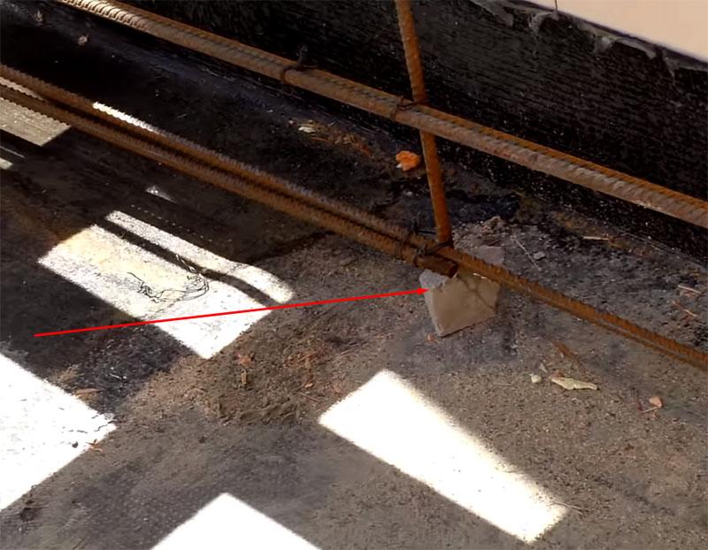 Соединения отдельных прутов производится только внахлёст