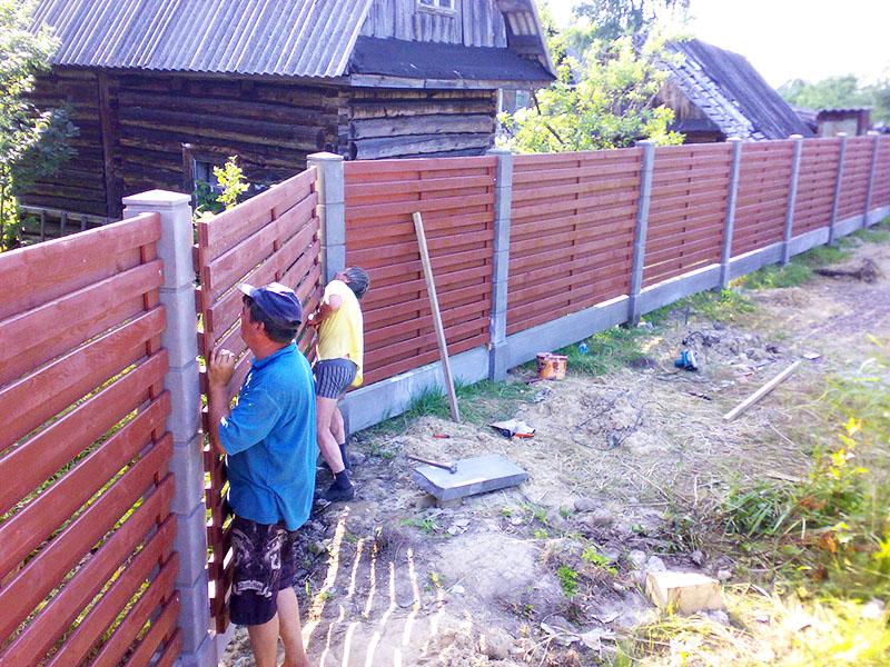 Если баня уже готова, то забор переносить недопустимо, даже если расстояние до него не соответствует нормативам
