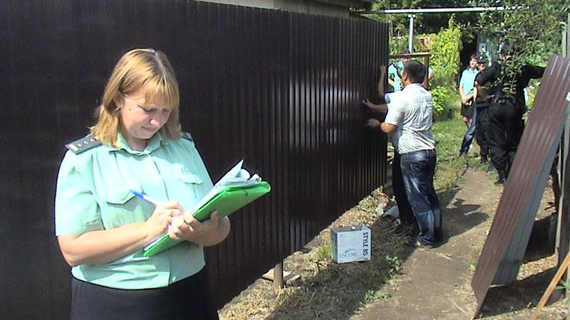 Забор из профнастила между соседями не разрешён