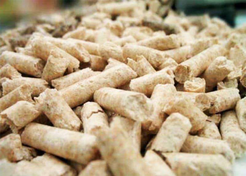Хранить гранулы можно только в сухом помещении, под воздействием высокой влажности пеллеты разбухнут и забьют шнеки