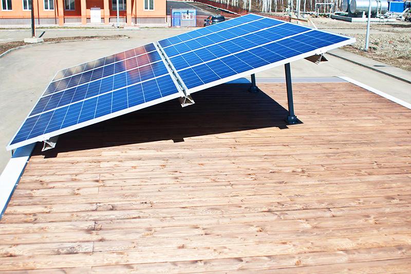 Количество солнечных батарей рассчитывается индивидуально в зависимости от параметров домика и климатических условий эксплуатации