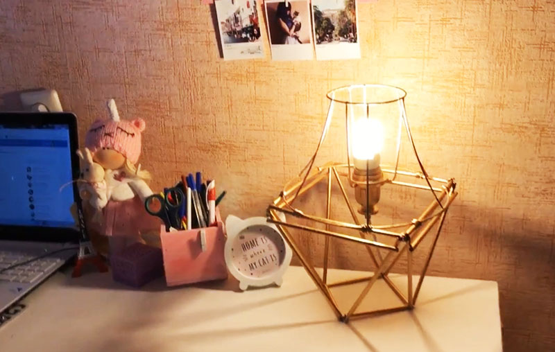 Как мы видим, лампа отличается необычным броским дизайном и чрезвычайной яркостью