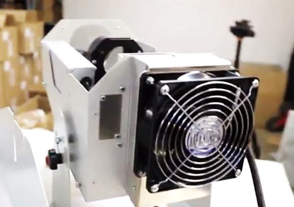Кулер для охлаждения устройства