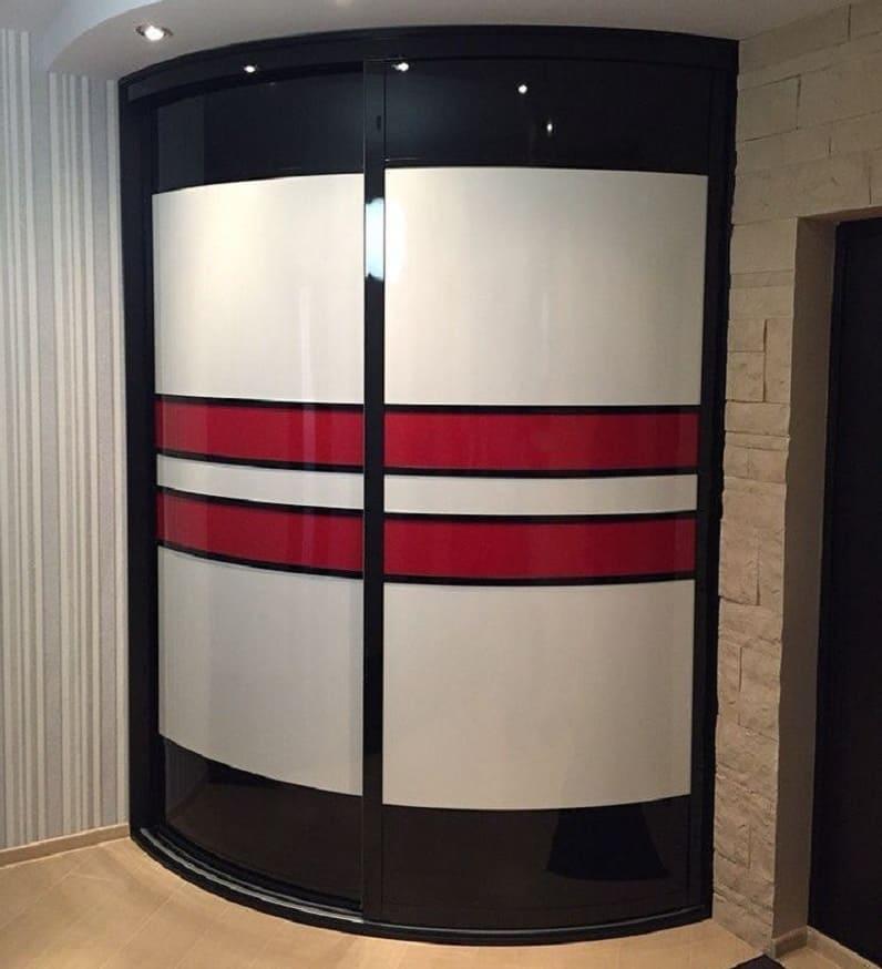 Встроенные радиусные шкафы-купе
