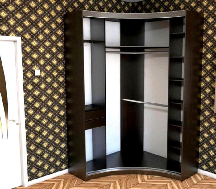 Наполнение шкафа для прихожей включает в себя тремпель или крючки, выдвигающиеся ящики