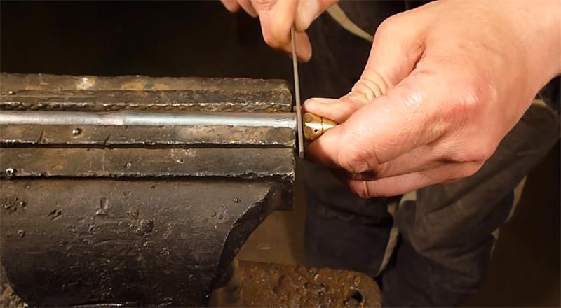 Проточка граней под гаечный ключ на втулке