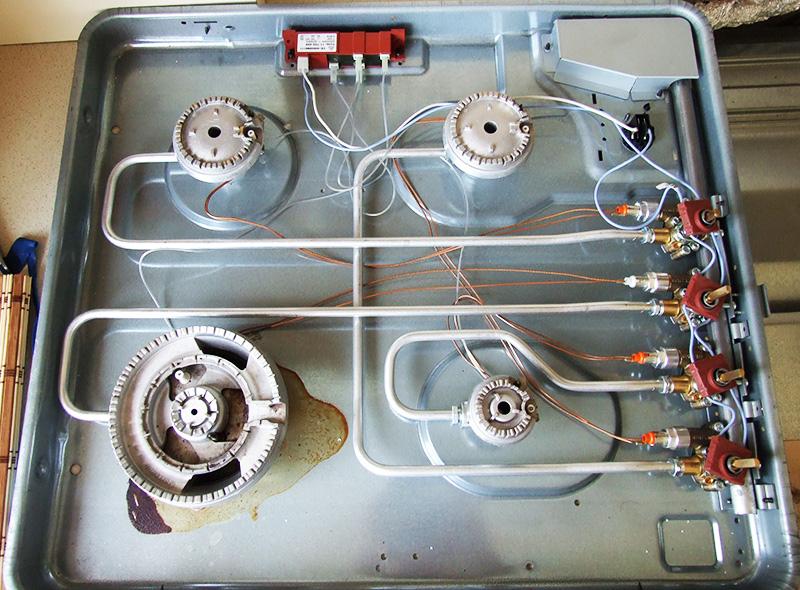Для полного обследования верхняя крышка плиты снимается