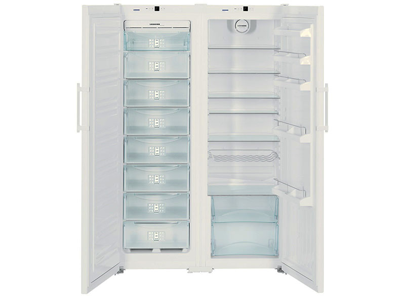 Многообразие полок при правильном подходе позволит разместить в холодильнике всё что угодно