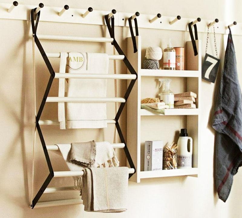 Классический вариант подвесной конструкции для хранения из дерева