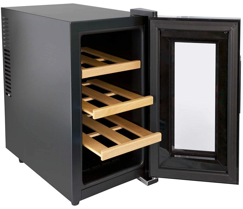 Финный шкаф обычно выглядит просто как шкаф, ничего лишнего