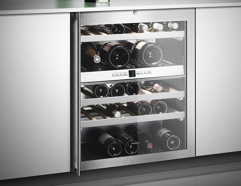 Современный шкаф также подойдет и для минимализма