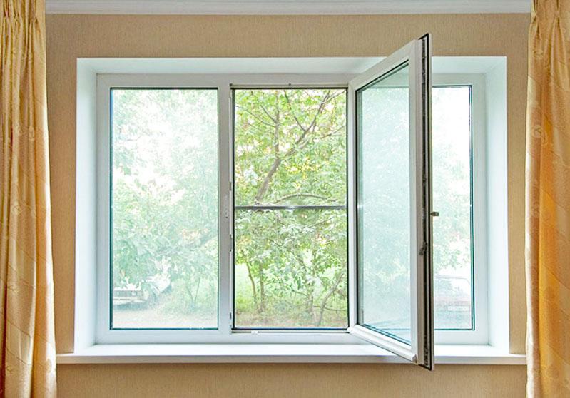 Поскольку на изготовление металлопластиковых конструкций требуется время, замеры проводят без демонтажа окон