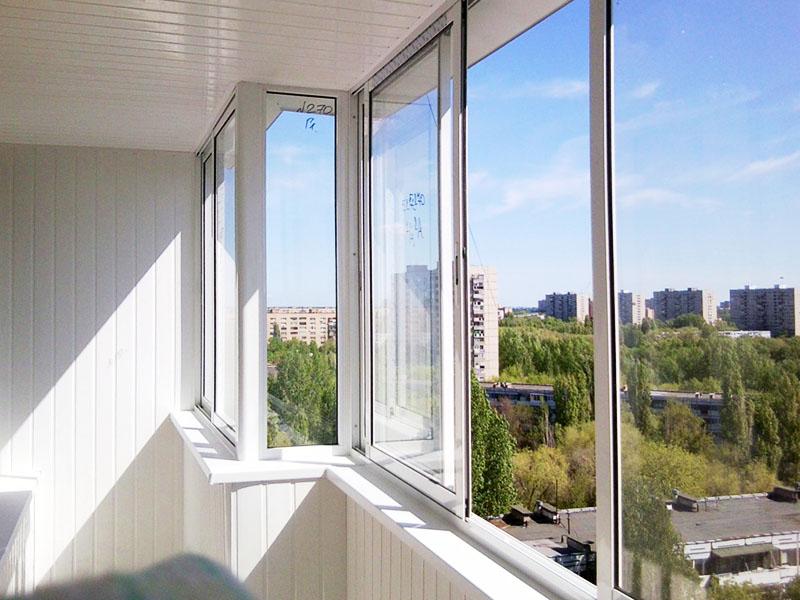 Если окна многоуровневые, замеры проводятся в несколько этапов