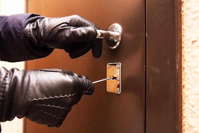 Защита входных дверей от взлома