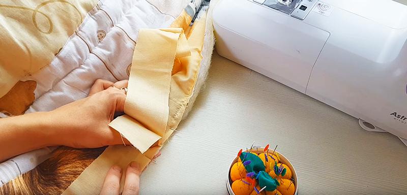 Прежде чем давать кант, оставляем хвостик 10-15 см для того, чтобы сделать правильный стык