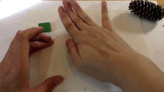 Удивительное рядом: мастер-классы по изготовлению поделки «Ёжик из шишек»