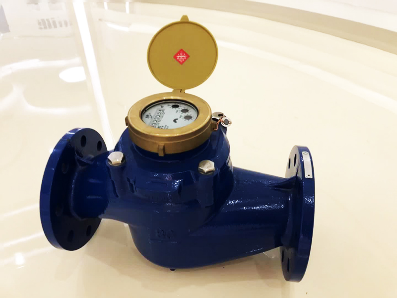 Тахометрический турбинный счётчик используется в промышленных целях