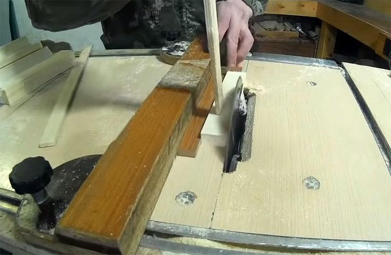 Рейки нужно выровнять не только по толщине, но и по ширине