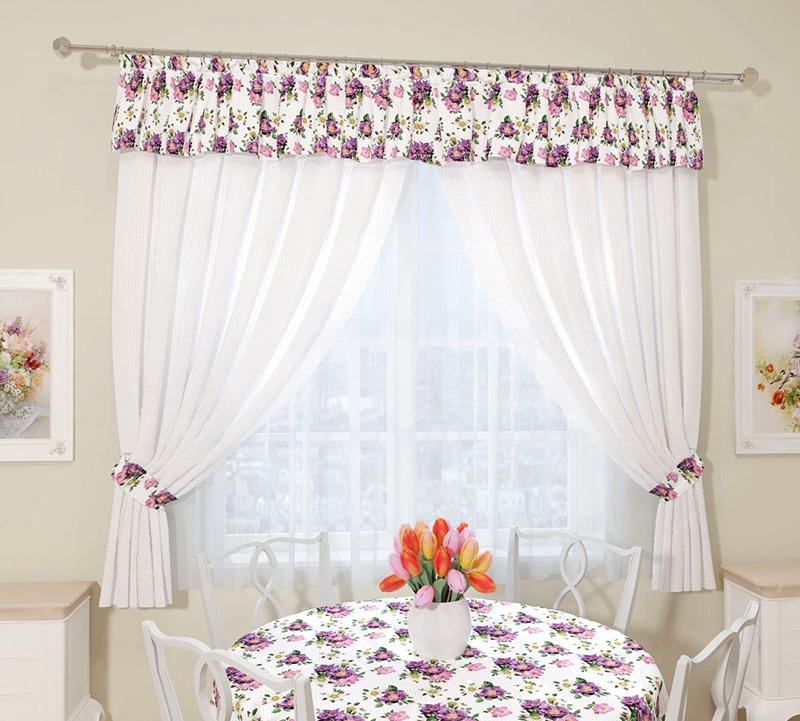 Либо простой текстиль, сочетающийся с другими текстильными элементами кухни
